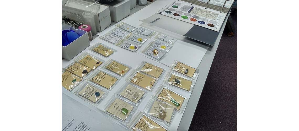 Learn to identify a comprehensive range of gem materials.